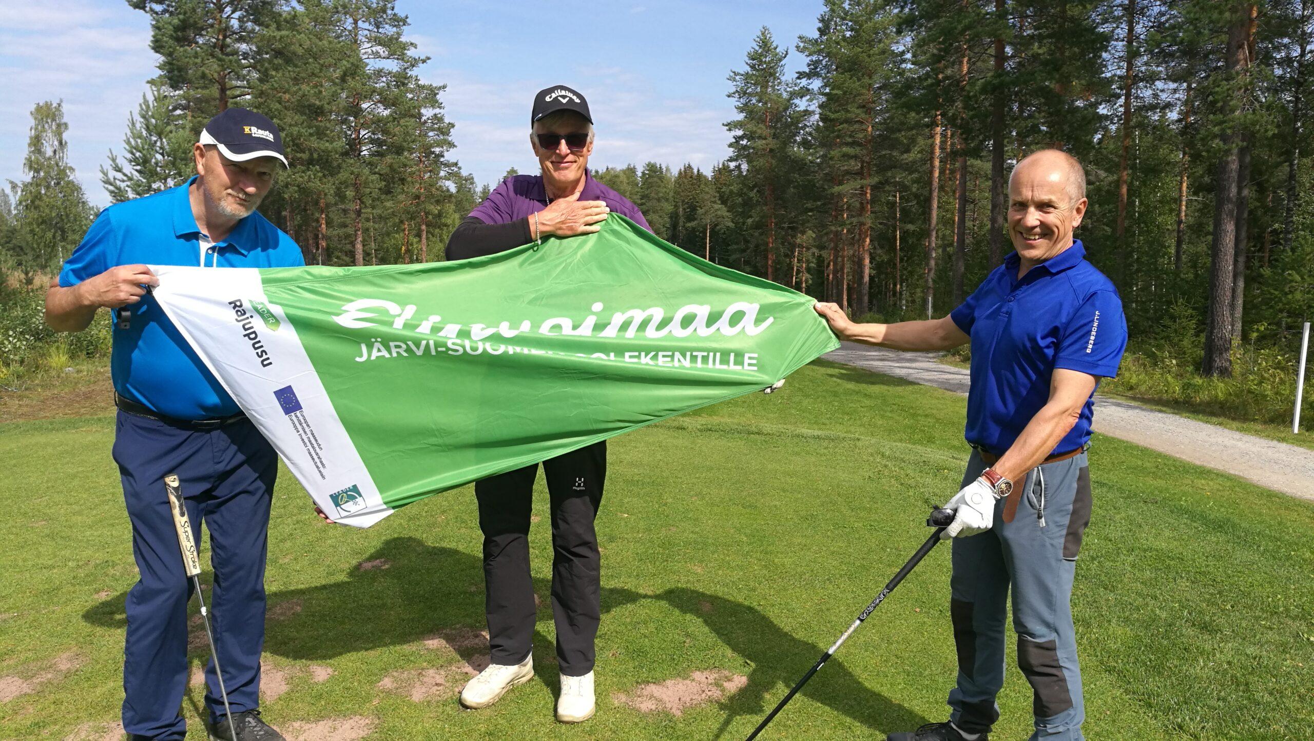 Golfseurojen puheenjohtajat Arto Lipsanen (KeG), Paavo Tervonen (KGOLF) ja Ari Korhonen (RanG)